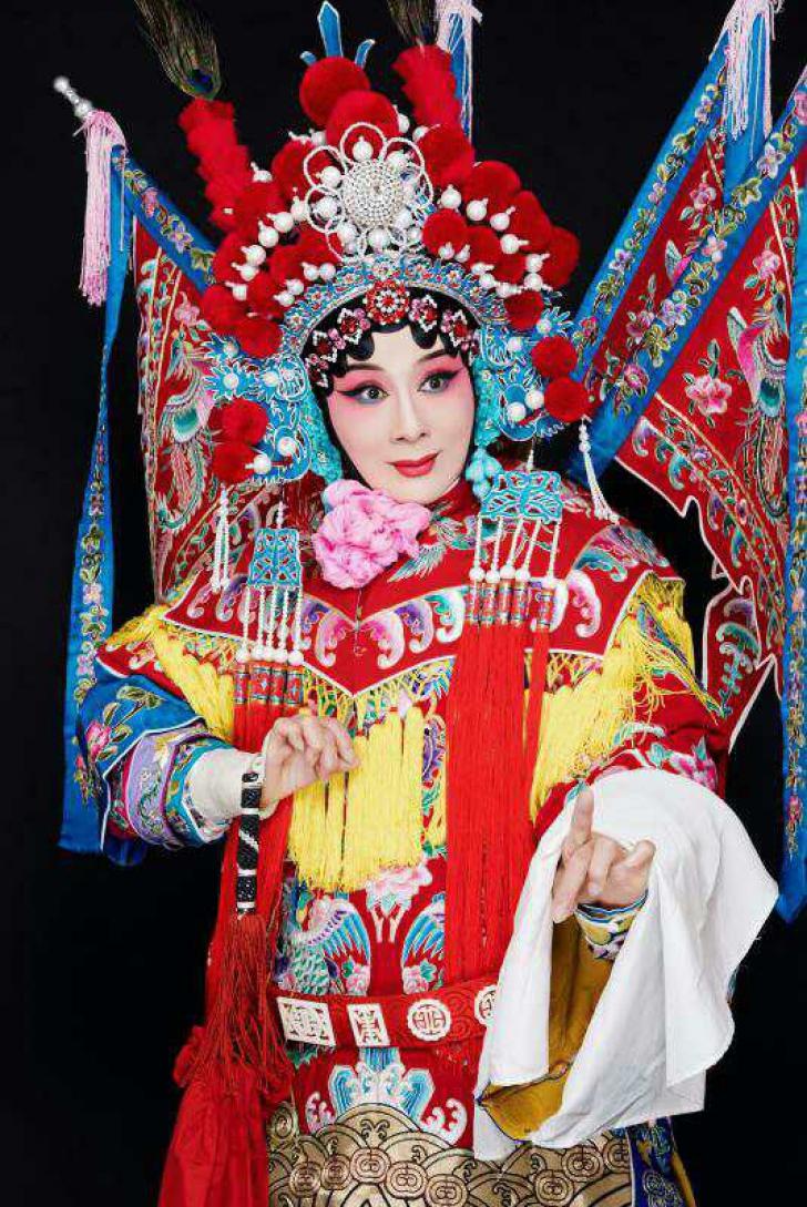 Doamna Wang Quanzhen in costum