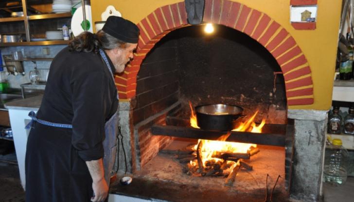 Cum să găteşti ca un călugăr! Zece sfaturi direct de la Muntele Athos