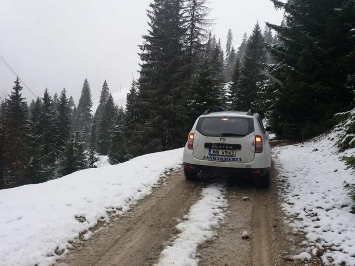 A venit iarna! Autorităţile, luate din nou nepregătite. În ce judeţe a nins? FOTO