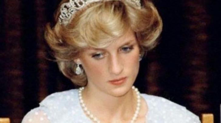 Motivul pentru care Prințesa Diana își pleca privirea în public