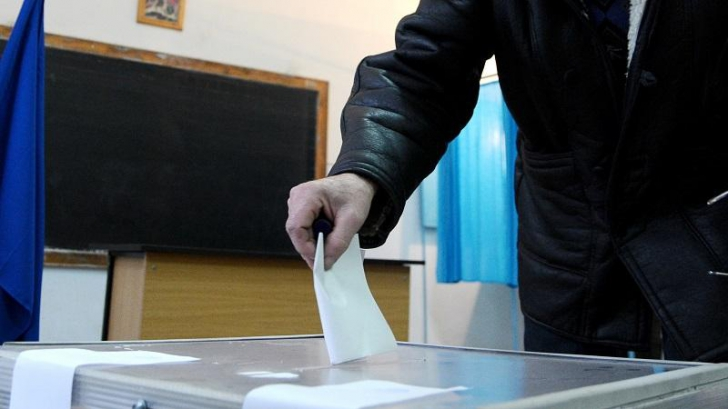 "Observatorii la referendum atrag atenția asupra ""votului masiv pe liste suplimentare"""