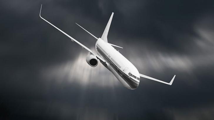 """Detalii terifiante. Ultimul zbor al avionului prăbușit în mare: """"Pasagerii panicați vomitau.."""""""