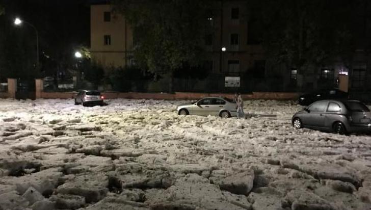Imagini apocaliptice la Roma. Orașul, acoperit de apă și gheață, după o furtună monstru