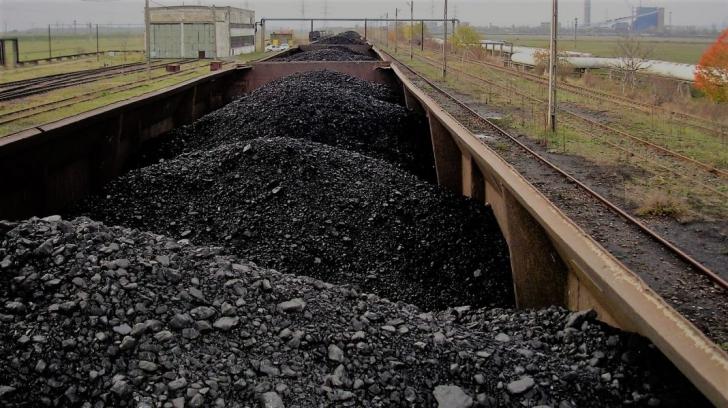 Un tren cu cărbuni a luat foc în județul Constanța