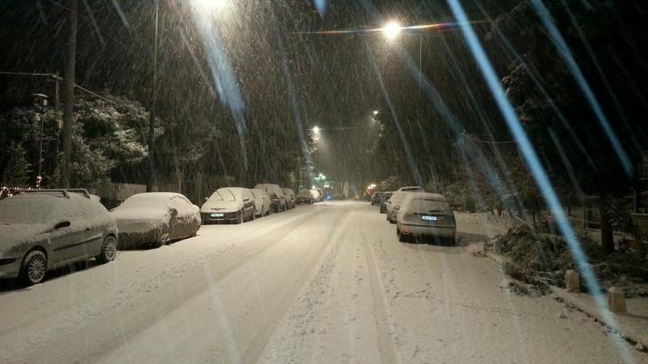 A venit iarna în plină toamnă! Autorităţile au intervenit în 21 de judeţe