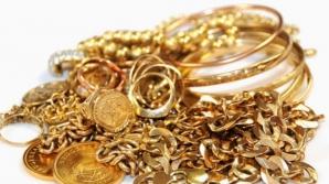 Cum să cureţi bijuteriile din aur fără să le strici