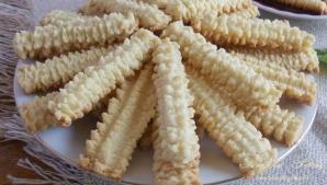 Cum să faci biscuiți de casă spiralați. Ingredientul care îi face fragezi