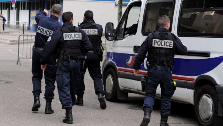 Şase indivizi care aveau în plan să-l ucidă pe Emmanuel Macron, arestaţi