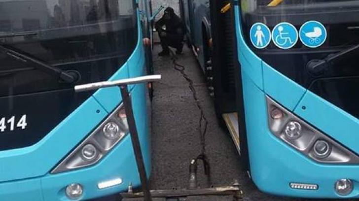 Noi probleme pentru autobuzele Otokar din București? Poza care s-a viralizat pe Facebook