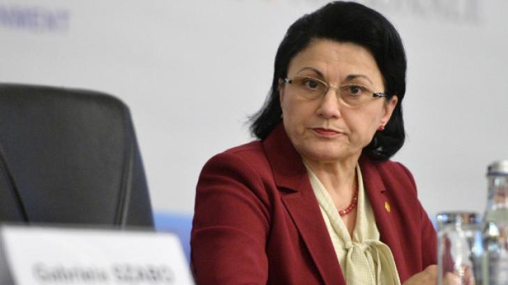 Ecaterina Andronescu vrea Bacalaureat tehnologic