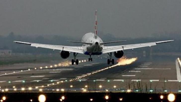Cinci curse aeriene au fost deviate de la Cluj-Napoca la Sibiu, din cauza ceţii / Foto: Arhivă