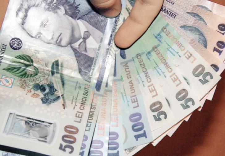 Finanţele se împrumută din Fondul de rezervă