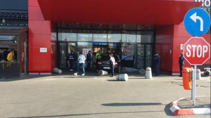 Atacatorul de mall-ul din Brăila ajunge în fața magistraților