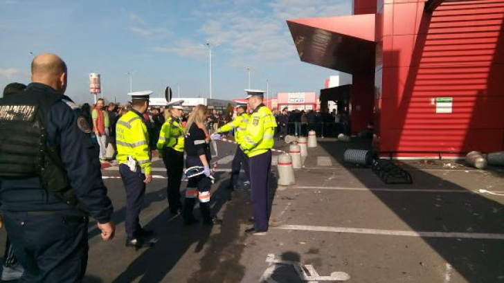 HAOS la un centru comercial! Un bărbat a intrat cu mașina în mulțime: mai multe victime / Foto: realitateadebraila.net