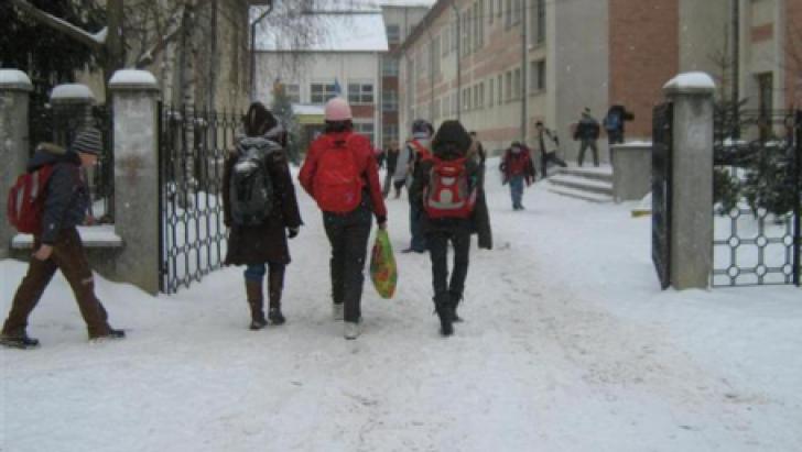 Efectele iernii în București. Decizie de ultimă oră pentru școlile din Capitală
