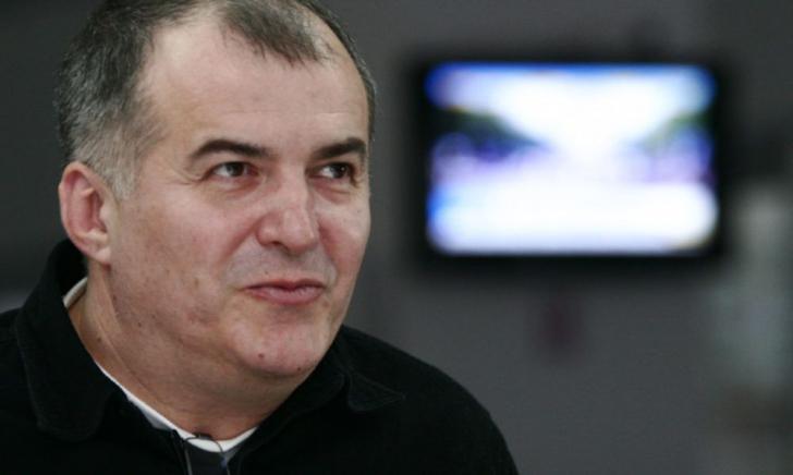 <p>Cum arată moșia lui Florin Călinescu. Casa superbă unde s-a retras celebrul om de televiziune</p>