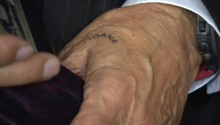 Ilie Năstase şi-a făcut primul tatuaj, la 72 de ani. Ce a scris Nasty pe mână