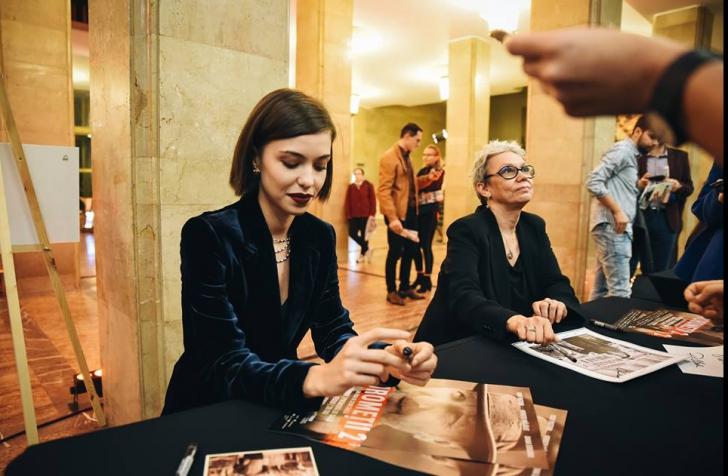 Andreea Esca a schimbat pupitrul știrilor cu platoul de la Moromeții 2 (Galerie foto)