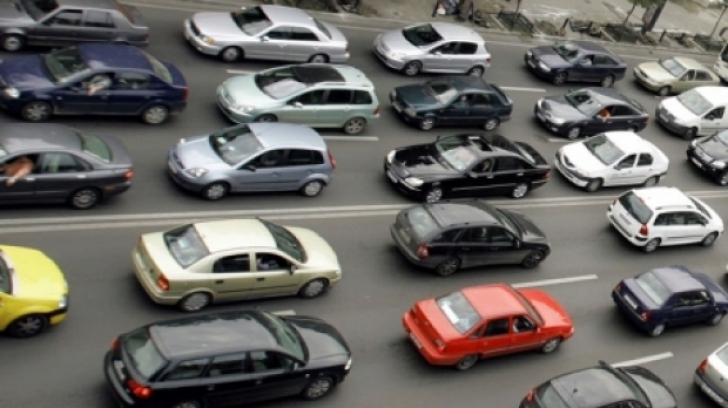 Primăria Generală a decis: 500 de lei pe lună pentru cei care folosesc mașina la comun