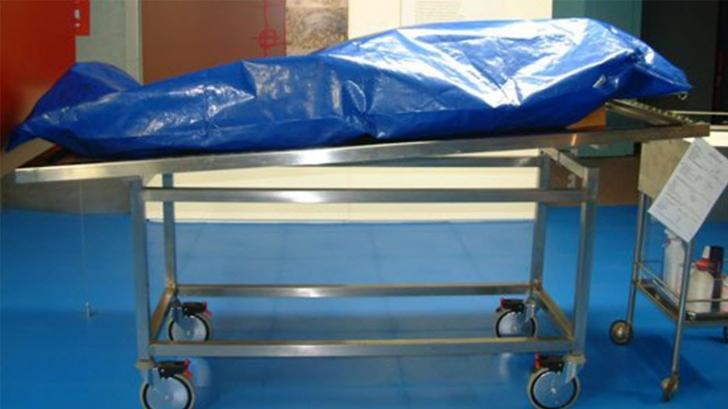 Descoperire macabră la Constanţa: Cadavrul unui bărbat, într-un fost bazin de înot