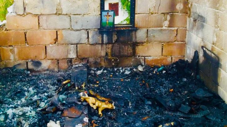 Minunea de la Argeș. O icoană găsită intactă în urma unui incendiu devastator