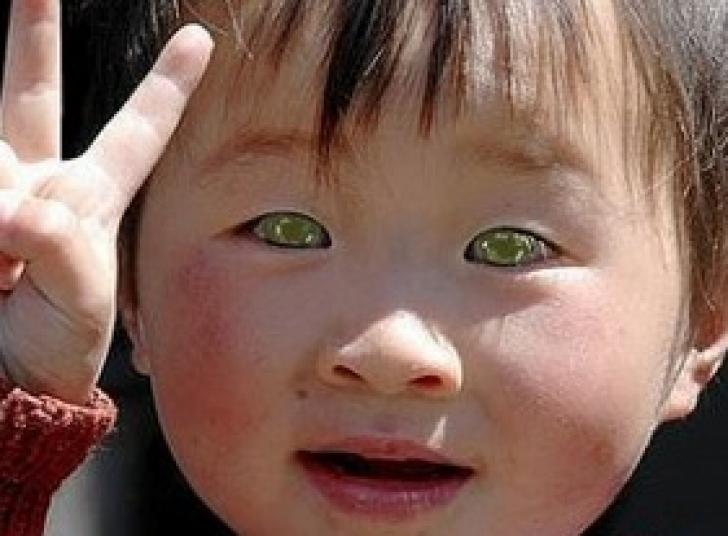 Descoperire şoc: cine sunt oamenii cu ochi verzi din China despre care nu se ştia nimic până acum