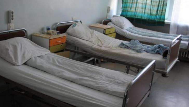Imagini dezolante din secţia TBC a spitalului din Focşani: igrasie, saltele pătate de sânge / Foto: Arhivă