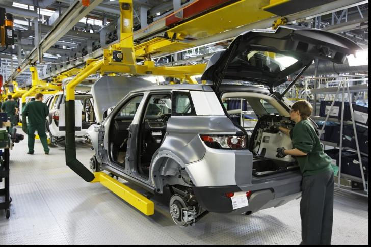 Concedieri masive la unul dintre cei mai mari producători auto