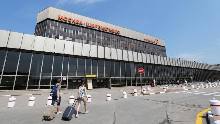 Un rus a fost călcat de avion pe pista unui aeroport din Moscova