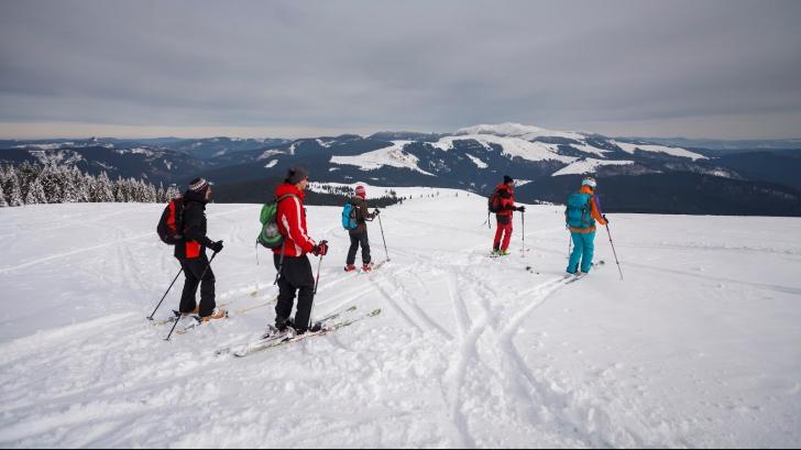 Stațiunea montană cu zăpadă de 70 cm. Află unde este!