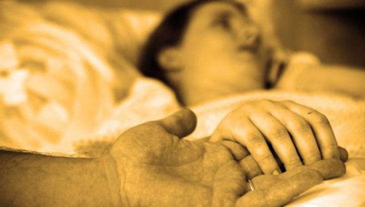 5 simptome care prevestesc moartea. Ce spun medicii