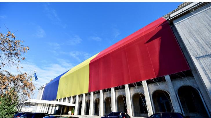 De ce a dat Guvernul jos tricolorul de pe Palatul Victoria?