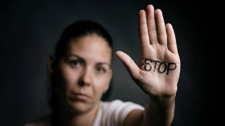 Două românce au fost ucise de Ziua Internațională împotriva Violenței asupra Femeilor