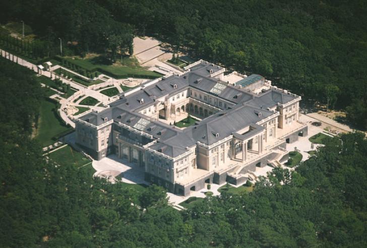 FOTO - Cum arată palatul lui Vladimir Putin în valoare de 1 miliard de dolari