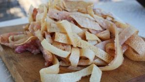 Ce se întâmplă în corpul tău când mănânci şorici de porc? Nutriţionistul are un răspuns şocant