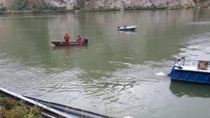 Mehedinţi. O mașină a căzut în Dunăre. Scafandrii au scos o femeie decedată din autoturism