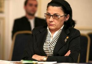 Ecaterina Andronescu: Plagiatul este o problemă minoră a învăţământului din România