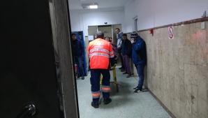 Incident grav într-o şcoală din Târgovişte: Un elev a alunecat şi a căzut de la etajul al doilea