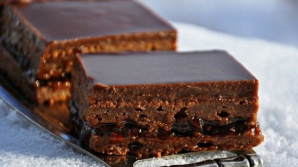 Prăjitură absolut delicioasă din numai două ingrediente. Reţeta pas cu pas