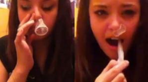 Provocarea prezervativului, o nouă probă de foc pe internet. Medicii, îngroziți de ce văd la Urgențe