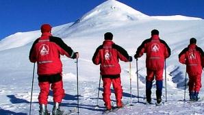 Tragedie în Masivul Bucegi. Mai mulţi turişti, surprinşi de avalanşă: un mort