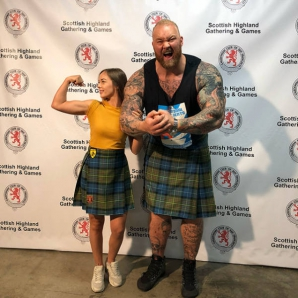 Thor Bjornsson și soția sa