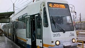 Bărbat bănuit că agresa sexual femeile în tramvaiul 41, din Capitală, REȚINUT de polițiști