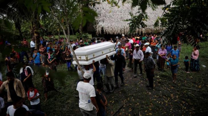 Moartea unui băiețel imigrant în arestul autorităților americane zguduie America