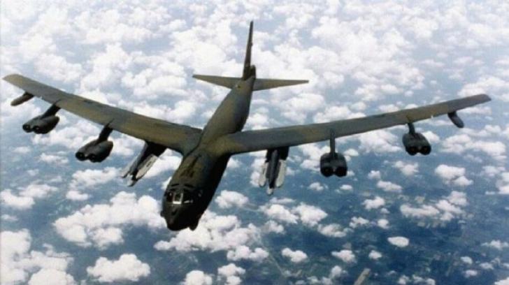 Un comandant de escadrilă de bombardiere B-52 a fost concediat. Motivul? INCREDIBIL