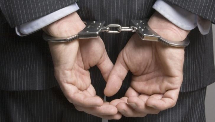 Au fost arestați după ce au încercat să păcălească doi cetățeni chinezi la Brașov
