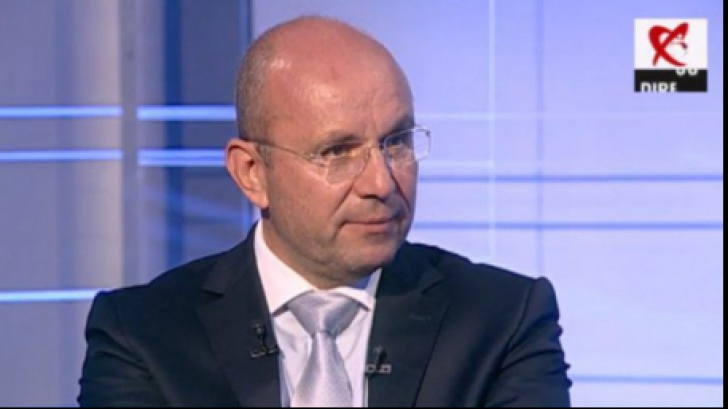 Cozmin Guşă, analiza presei încălecate de patroni impuri și servicii