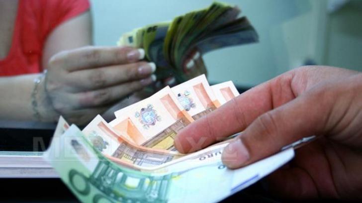 Euro crește la final de an. Aurul, cea mai mare cotație din ultimele 6 luni