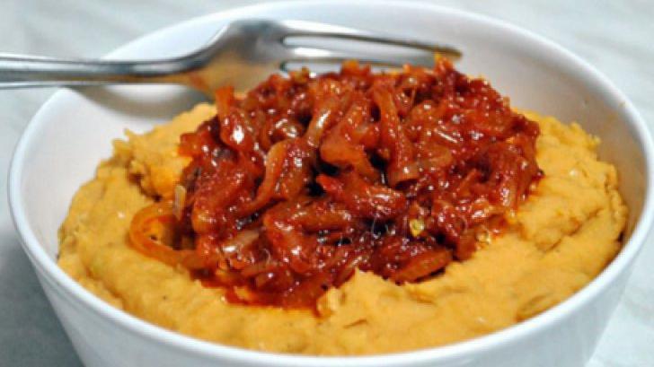 """Reţeta moldovenească de fasole bătută: Care este """"secretul"""" pentru o mâncare delicioasă"""