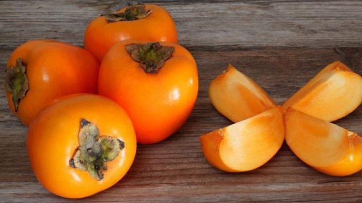 Kaki se găseşte şi la noi în supermarketuri. Adevărul despre acest fruct. Mai cumperi?